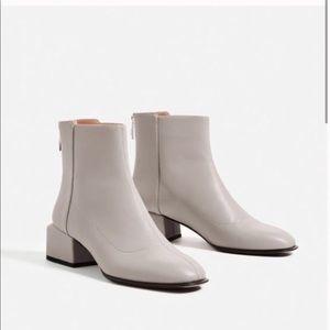 Zara NWT Gray Block Heel Ankle Booties